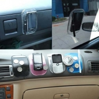 Miếng dán cố định điện thoại trên ô tô